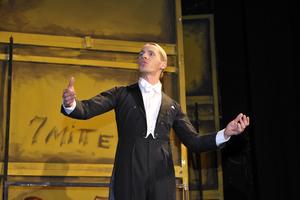 Christian Schöne als 'Carol Todd' in der Eröffnungsszene  Foto: Karin Wittke