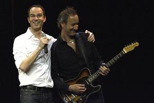 Thomas Borchert mit Gitarrist Harry Peller. Foto: Stephan Drewianka