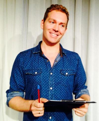 Thomas Klotz macht sich Notizen über die Zuschauer. Foto: Thomas Winter