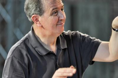 Dirigent und Arrangeur James Holmes. Foto: Kurt Weill Fest