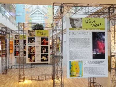 Ausstellung im Rathaus Center Dessau. Foto: Sabine Schereck