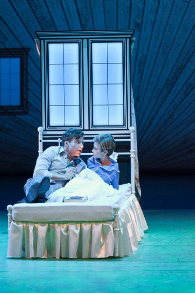 Edward Bloom (Benjamin Oeser) und Junger Will (Miles Benson)Foto: Lioba Schöneck