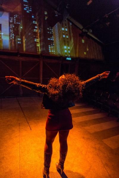 Queen (T'Shan Williams) auf dem heißen Pflaster in New YorkFoto: Conrad Blakemore