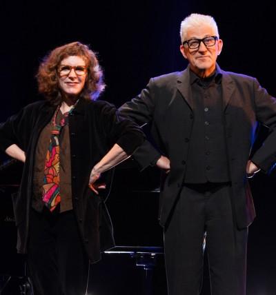 Ilja Richter und Sherri Jones (Klavier) beim SchlussapplausFoto: Promo