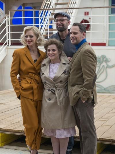 Regisseur Philipp Stölzl (hinten) mit seinen Hauptdarstellern, (v.l.): Heike Makatsch, Katharina Thalbach und Moritz BleibtreuFoto: Birgit Bernds