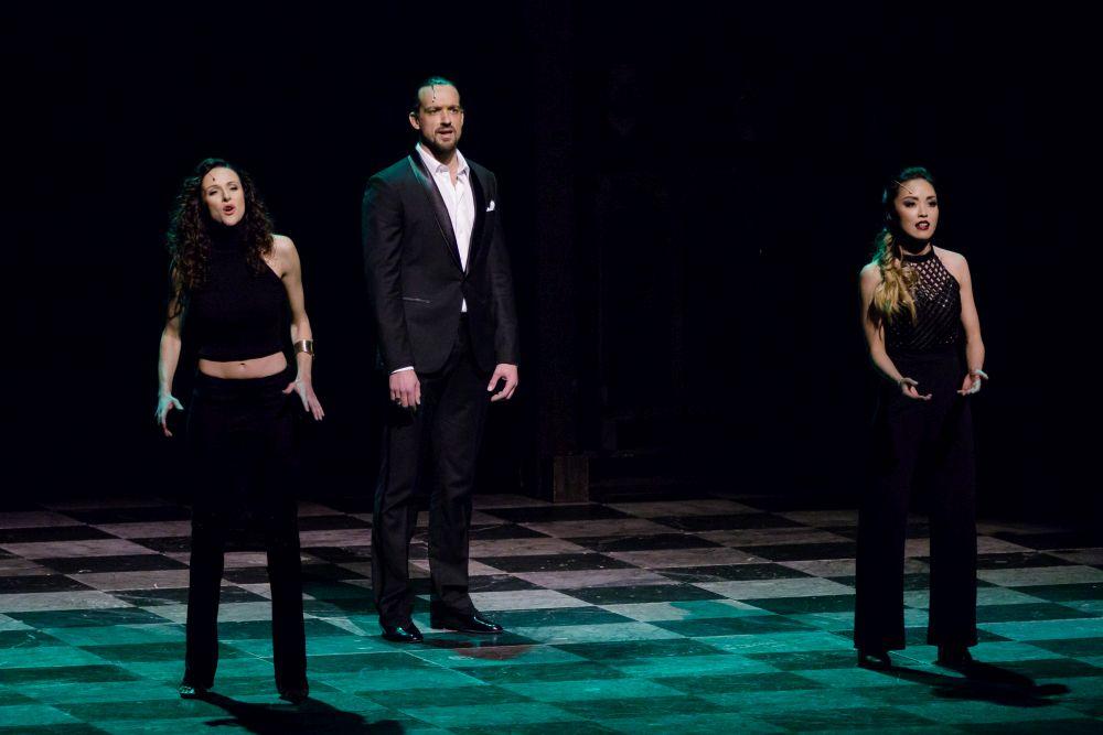 'Step Too Far' - Fabiana Denicolo, Maximilian Mann, Yuri YoshimuraFoto: Stage / Jan Potente