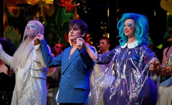 Premierenabend von »Everyman« in Pforzheim: Schlussapplaus und Aftershow