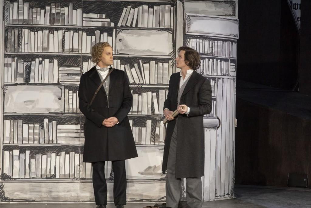 Die Brüder Grimm Personen: Jonas Hein (Jacob Grimm) und Peter Lewys Preston (Wilhelm Grimm)Foto: Brüder Grimm Festspiele / Hendrik Nix