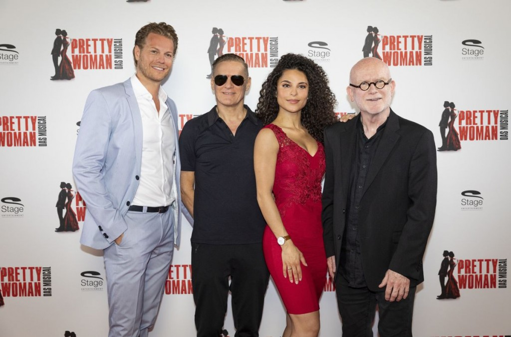 Mark Seibert, Bryan Adams, Patricia Meeden, Jim Vallance (v.l.)Foto: Stage Entertainment / Morris Mac Matzen