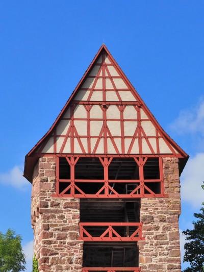 Das Eckrondell der Vorburg mit FachwerkgiebelFoto: Birgit Bernds