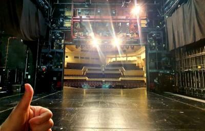 Theater-Pforzheim-Blick-aus-der-Seitenbühne-c-Chris-Murray