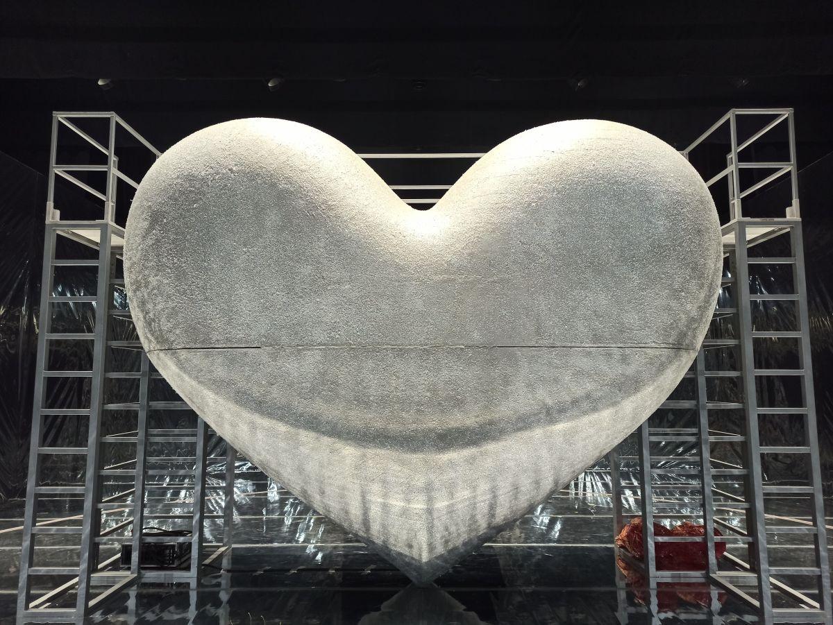 Herz_Bühnenbild_The_Cold_Heart.jpg